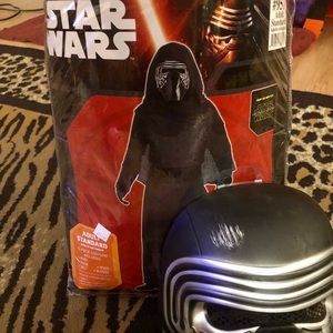 Deluxe Kylo Ren Star Wars Disney costume 😱